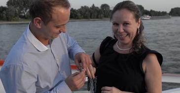Huwelijksaanzoek op partyschip