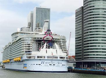 Zakelijk evenement Rotterdam – klantendag op partyschip met uniek uitzicht